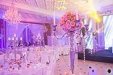 Le Salon Monceau se prête à vos réceptions les plus prestigieuses : mariage, fiançailles, anniversaire, soirée dansante, soirée de gala, banquet, etc.