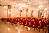 Le Salon Monceau se prête parfaitement à vos réceptions les plus prestigieuses: exposition, défilé, journée de travail, séminaire, conférence, showroom, lancement de produit, etc.