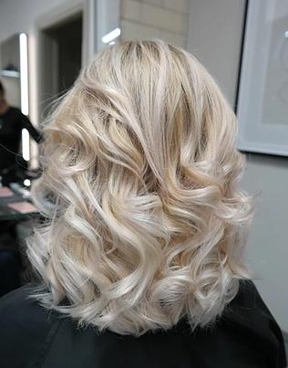 Blonde Blowdry