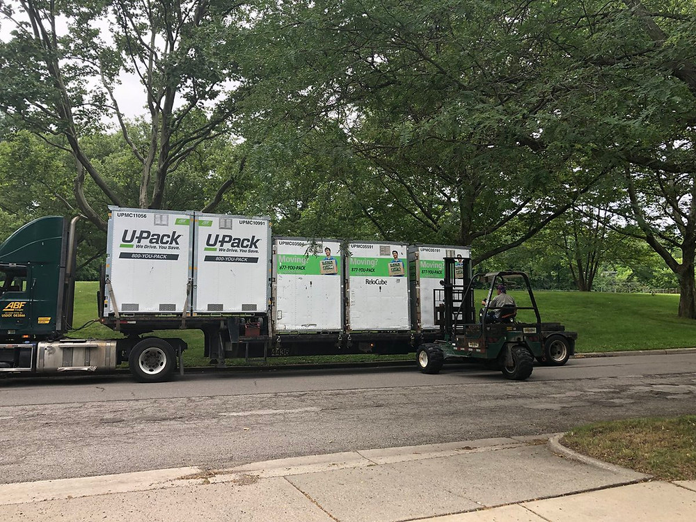 portable storage movers load