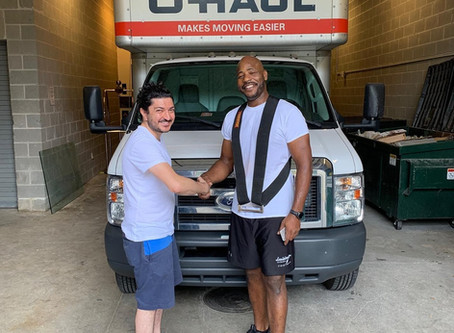 Former NFL Player Turns to Moving Help Center to Promote His Company