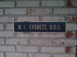 Dr Everett.jfif