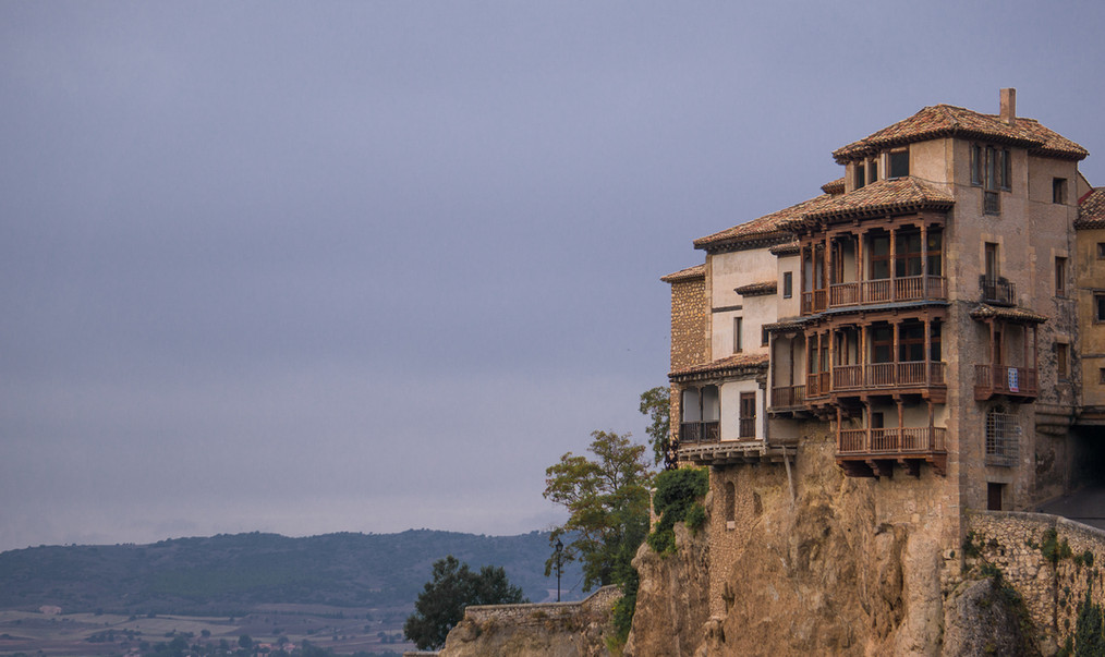 Hanging Houses