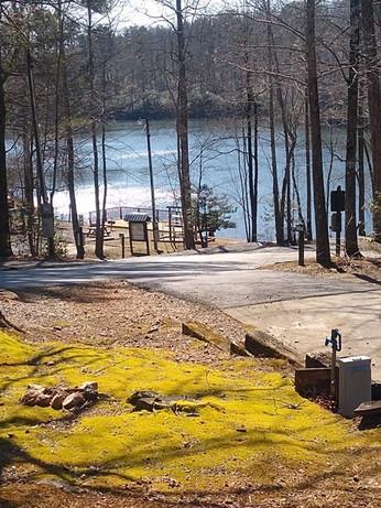Peaceful Lake Setting