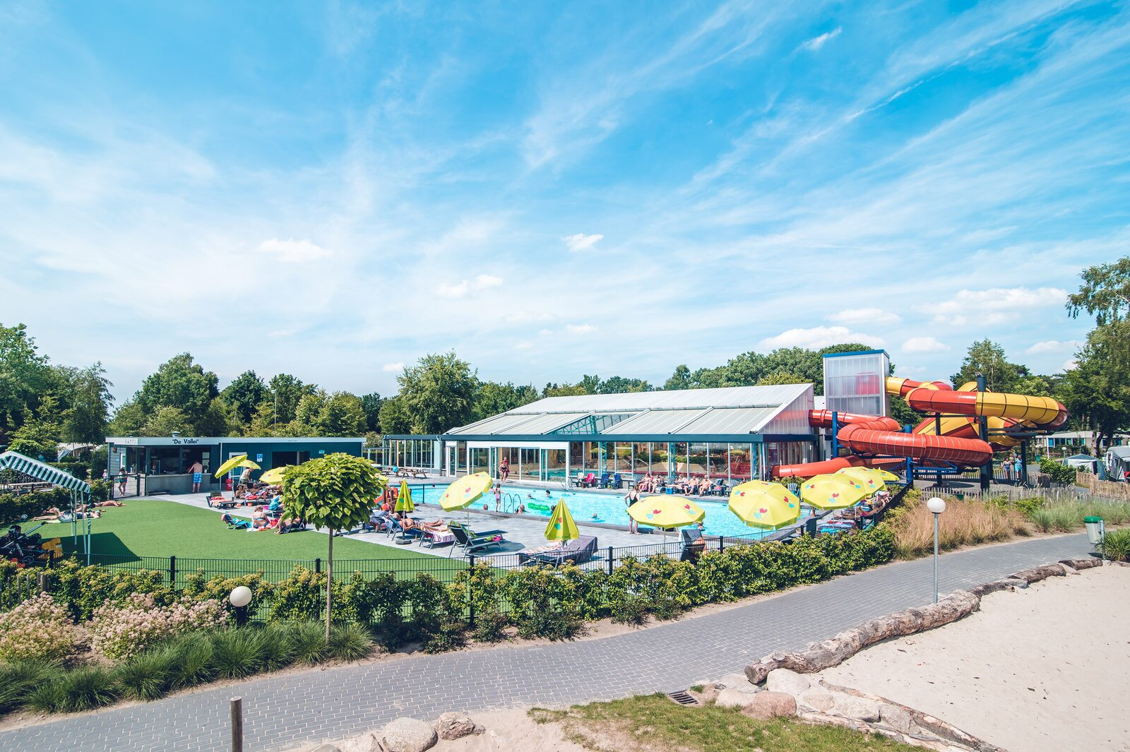 Zwembaden in beeld op Ackersate.jpg