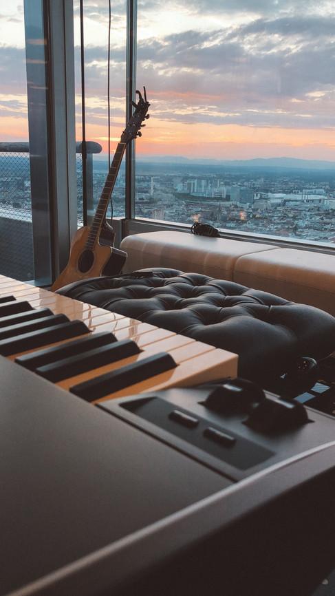 JULIAN WEISS SETUP AT A SHOW IN SWITZERLANDS TALLEST BUILDING I ROCHE TOWER, BASEL I SEPTEMBER 2018