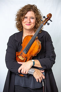 Jodi Levitz loves viola