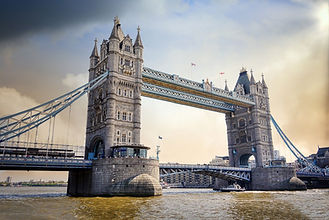 tower-bridge-5727975_1920.jpg
