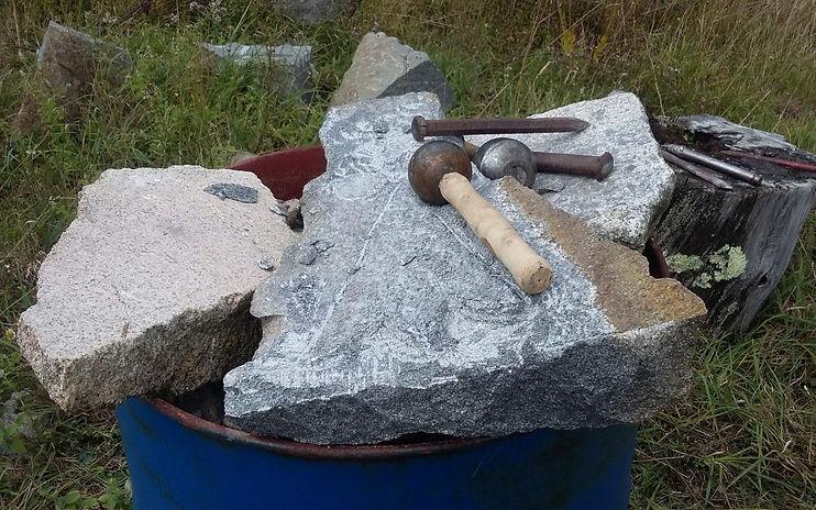 carriere-kersantite-outils-tailleur-de-p