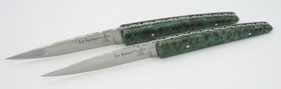 Couteau en Pierre Eglogite à grenat