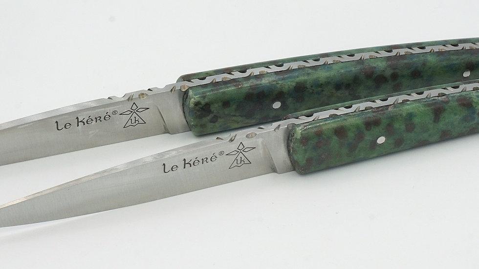Couteaux de table en Éclogite à grenat