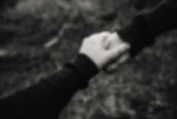 black-and-white-photo-of-holding-hands-7