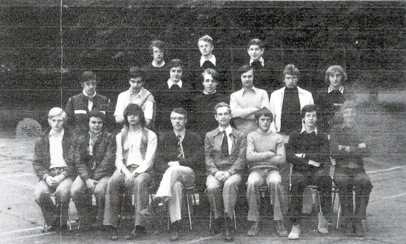 1975-1976 A.jpg