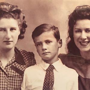 The Relatives of Cometan