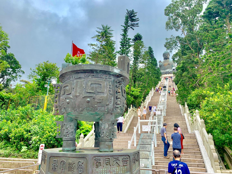 Tian Tan Buddha by Cometan