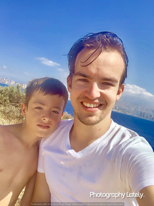 Cometan With Kent Taylorian On Holiday in Spain