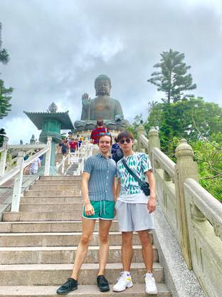 Cometan and Heastward at the Tian Tan Buddha