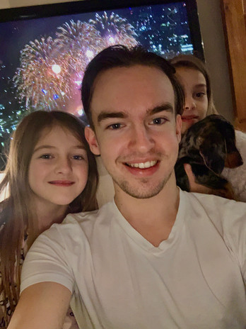 Cometan With Zara & Edie Taylorian on New Years Eve