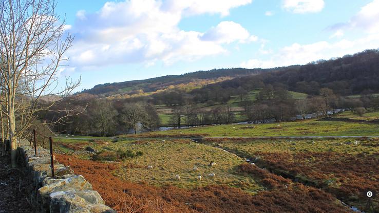 across-the-welsh-hills_16430684837_o.jpg