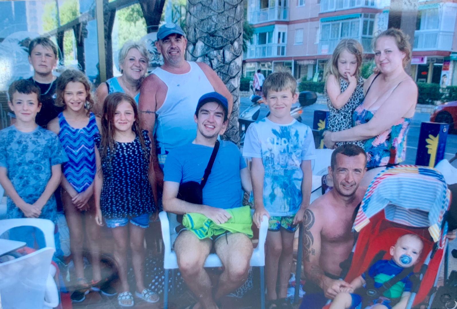 Cometan & Family in Benidorm, 2019