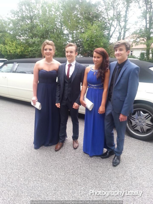 Cometan With Friends About To Get Into A Limo
