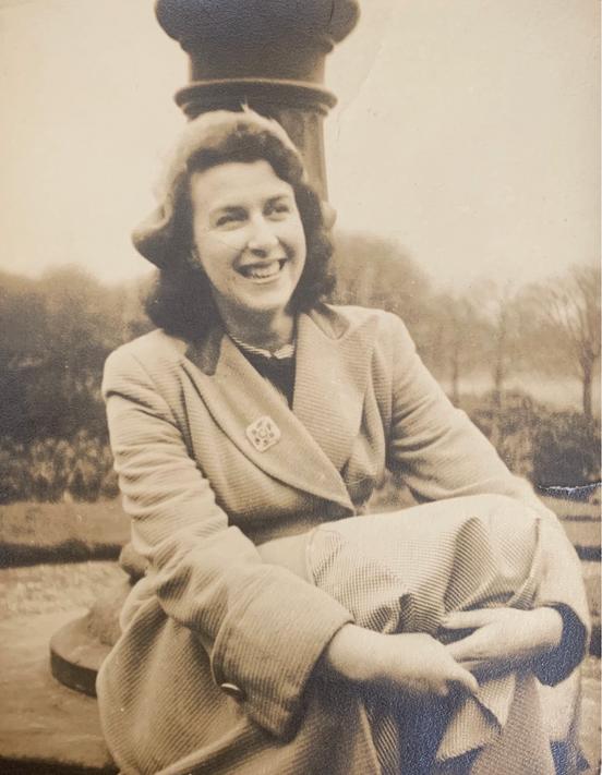 "Elizabeth ""Betty"" Conway (née Warbrick), great aunt of Cometan"