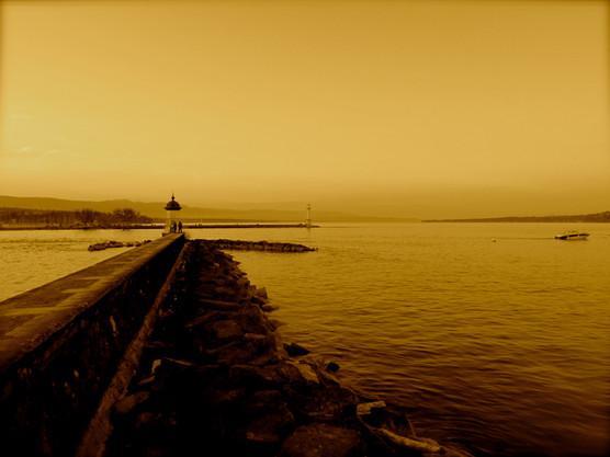 looking-across-lake-geneva_8736666756_o..jpg