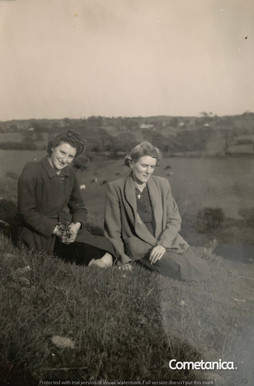 Monica Bolton, great aunt of Cometan, with her aunt Teresa Blackledge