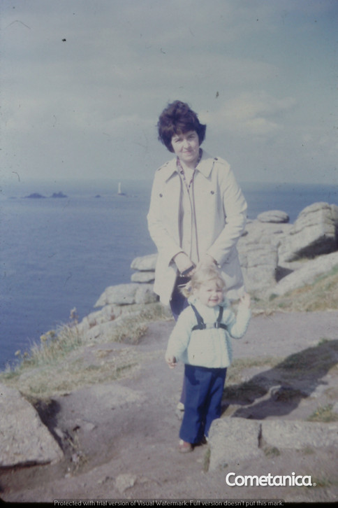 Mother & Grandmother of Cometan at Land's End