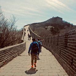 trekking-up-the-great-wall_41120087025_o