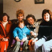 Cometan's Mother, Grandmother, Great Aun