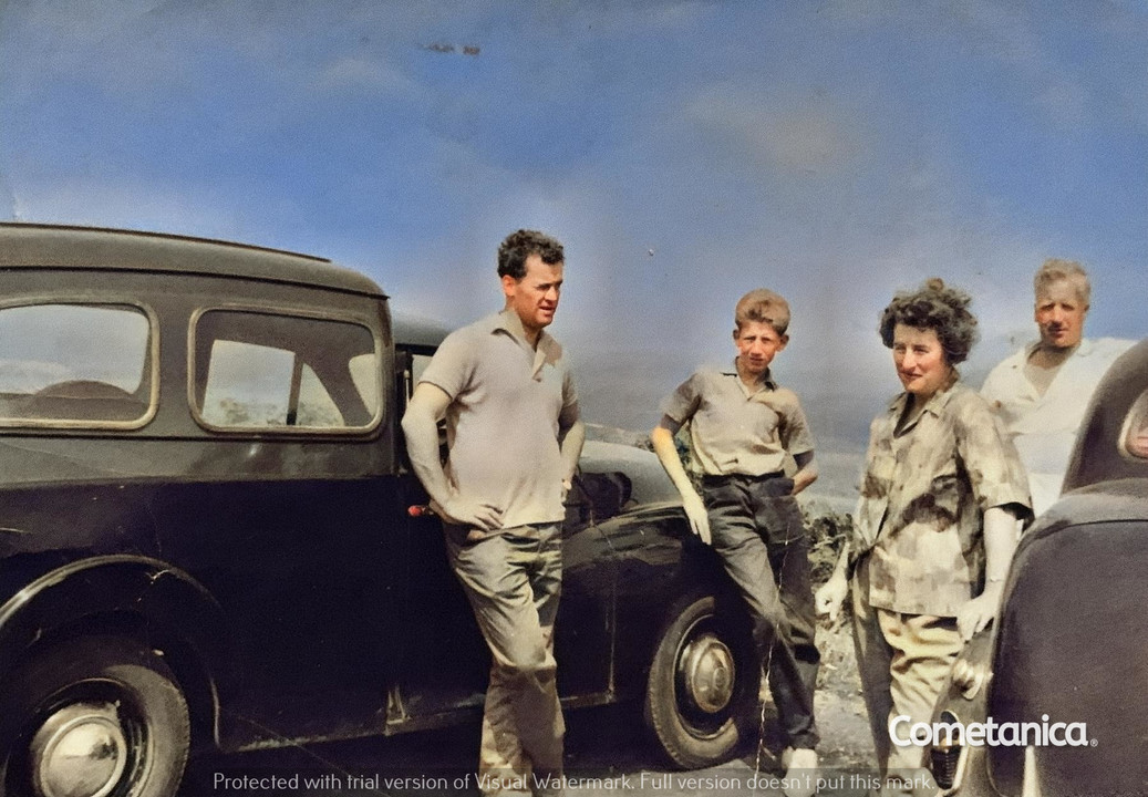 William Warbrick, grandfather of Cometan with George and Monica Bolton, great uncle and great of Cometan (Colourised)
