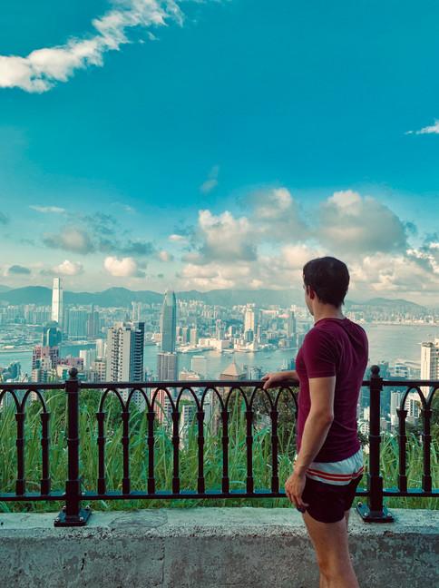 Cometan overlooking Hong Kong from Victoria Peak