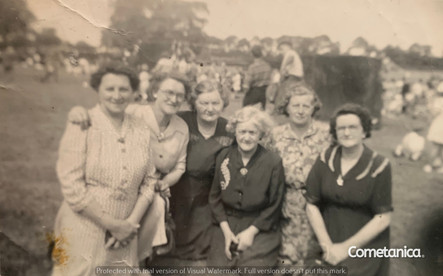 Mary Warbrick (second from left), great grandmother of Cometan, with friends