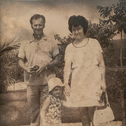 Cometan's Maternal Grandparents & His Mo