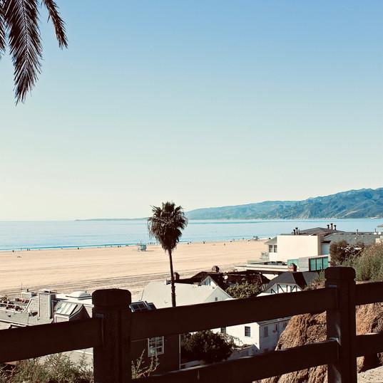 santa-monica-beach_16985178226_o.jpg