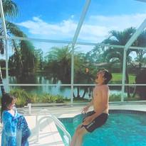 Cometan Falls Into The Pool.jpg