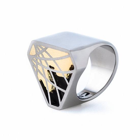 Carl Noonan -Interlace Triangle Ring