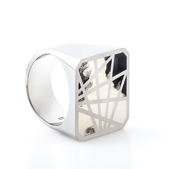 Carl Noonan -Interlace Full Square Ring