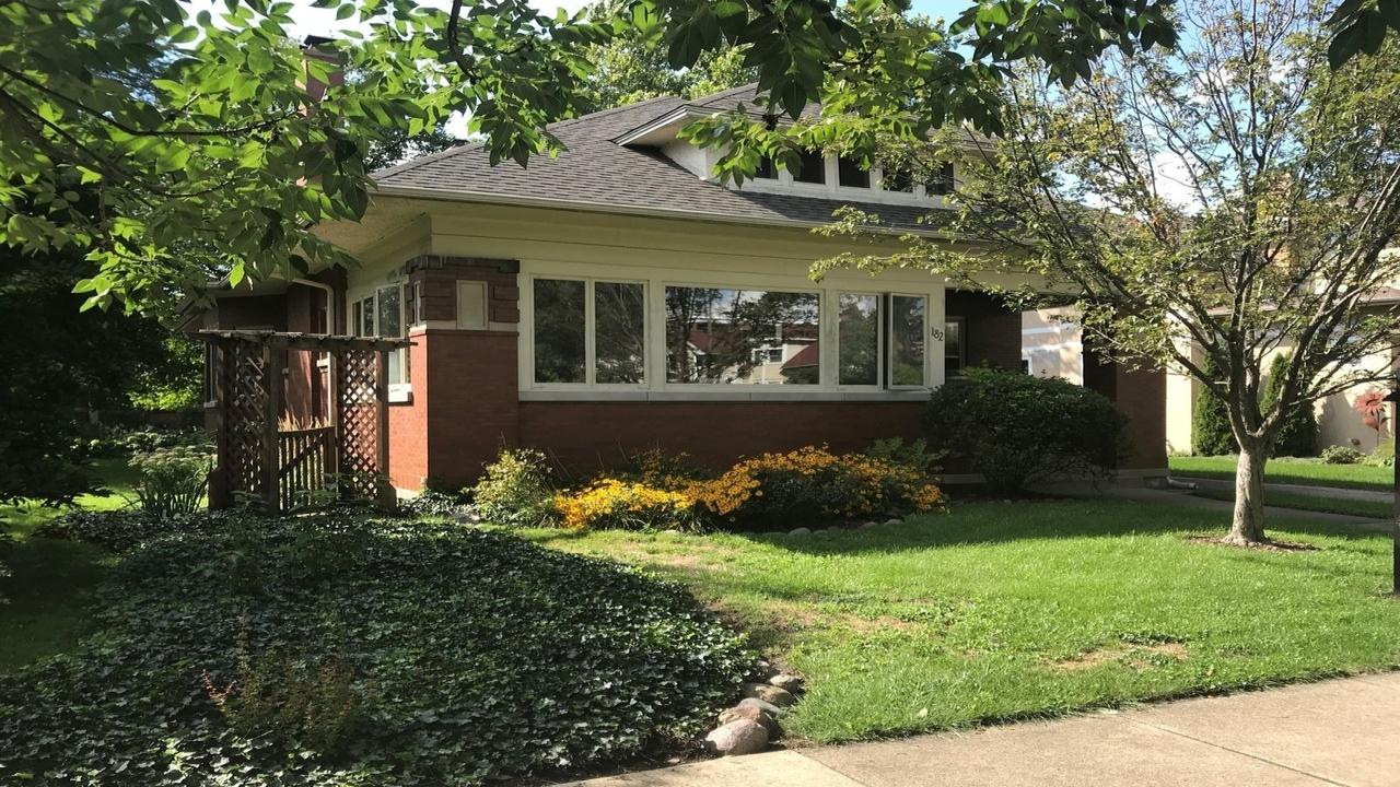 182 North Larch Avenue