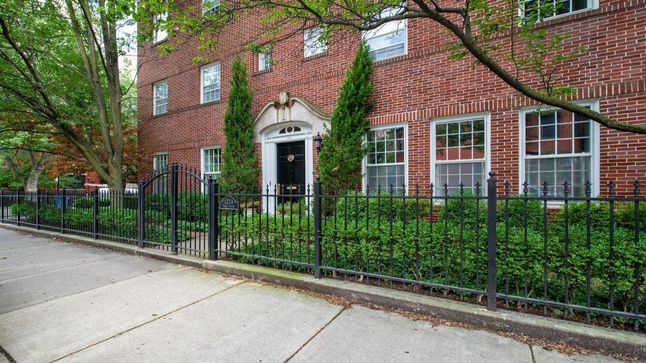 1224 North Astor Street