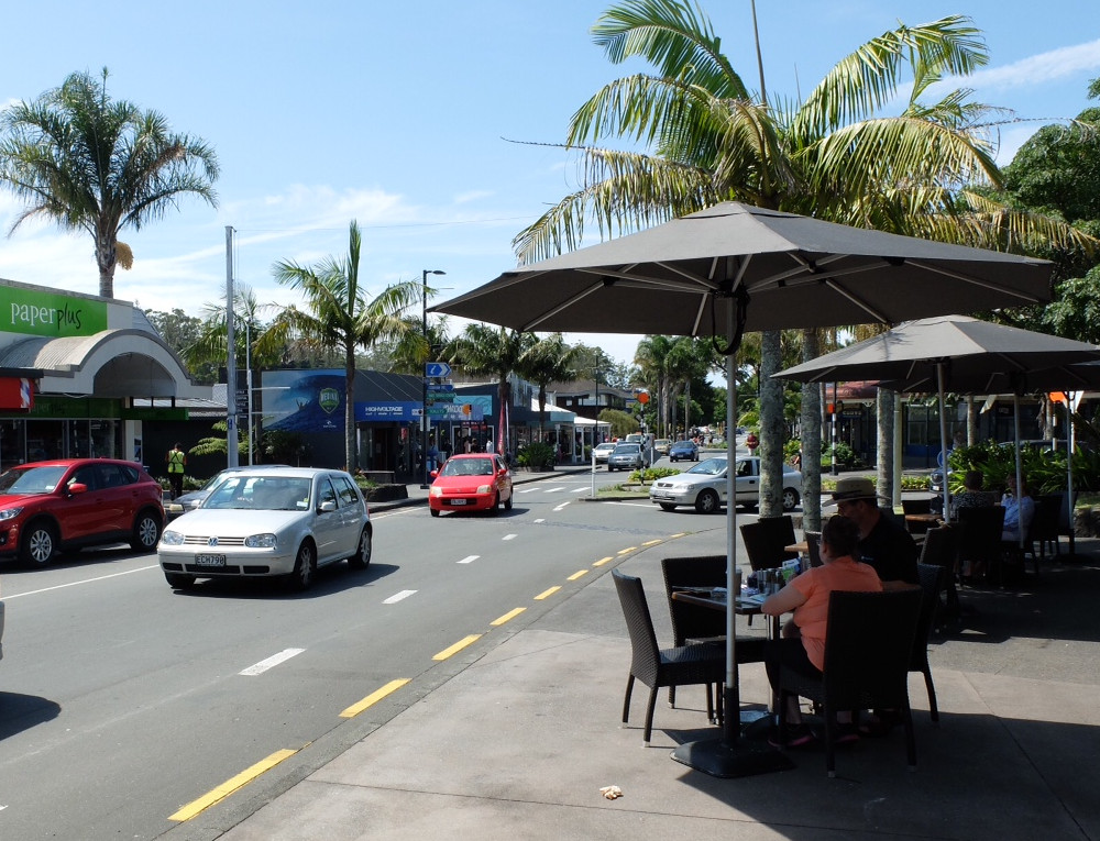 Main street Kerikeri with light traffic