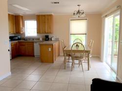 Kitchen & Diningroom 2