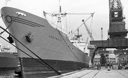 L'Australe in porto a Genova