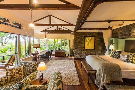 Gibbs-Farm-cottage-interior-bedroom-livi