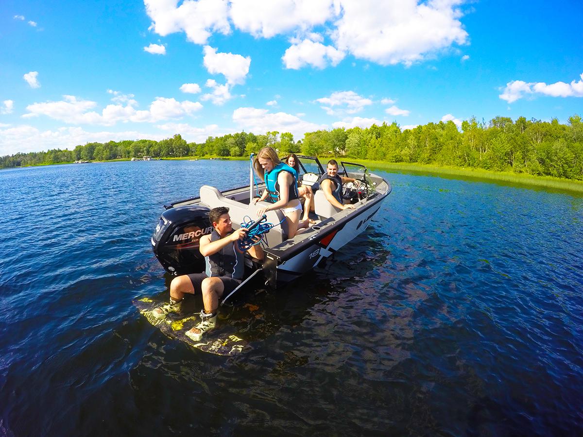X18-Lifestyle-wakeboarding1