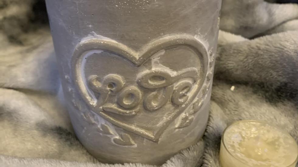 Concrete love wax melt burner grey