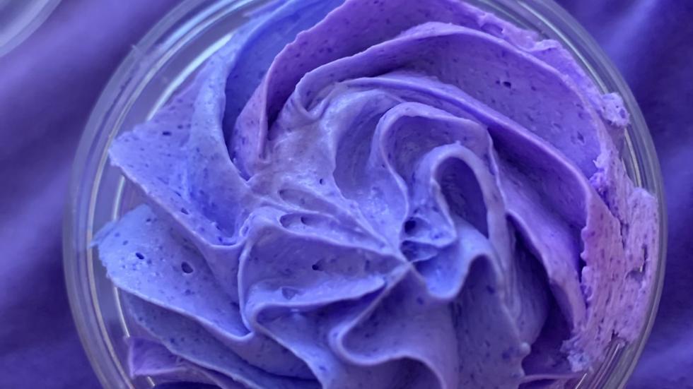 Uniqorn Poop Foaming Shower Fluff - Geranium