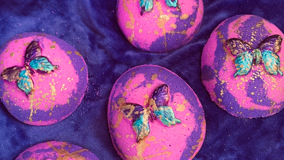 Wild fig and cassis butterfly 🦋 bath bomb