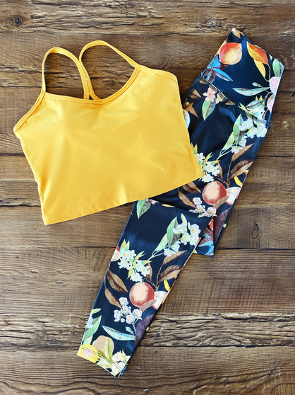 A Lux Leafy Citrus Pattern That Is Perfect For Summer